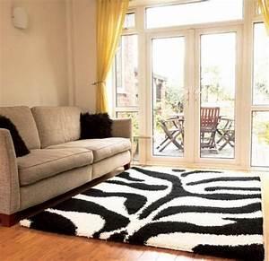 tapis shaggy style et confort dans espace maison 23 photos With tapis shaggy avec canape profondeur 100