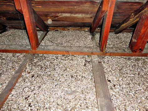 zonolite vermiculite insulation  attc space zonolite