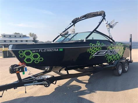 Used Wakeboard Boats For Sale Florida by 2016 Used Epic 23v Ski And Wakeboard Boat For Sale