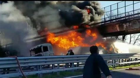 Italy Motorway Crash Six Dead As Tanker Explodes