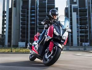 Yamaha Xmax 125 2017 : 2018 yamaha x max 125 scooter released in europe image 709939 ~ Medecine-chirurgie-esthetiques.com Avis de Voitures