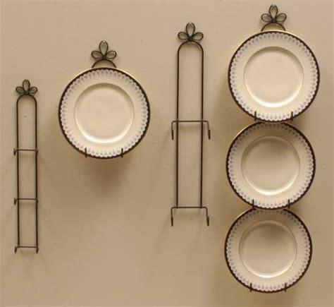 wrought iron plate hangers vertical    plates plate racks  hangers