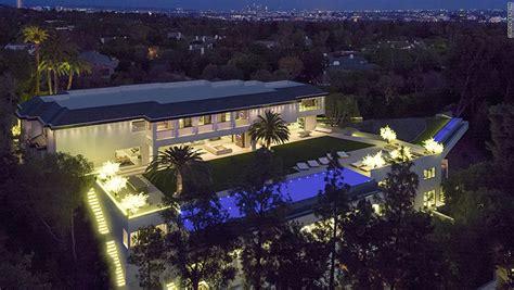 ls plus la los angeles vendue 150 millions de dollars cette villa s approche du