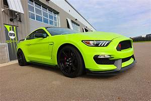 First Drive! 2020 Shelby GT350R Is Still King of the Stick-Shift Stallions