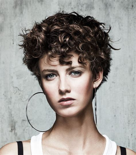 incompatible hot  sexy short curly hairstyles ohh