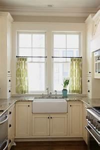 Vorhänge Für Küchenfenster : k chenvorh nge dienen als sonnenschutz und peppen ihre k che auf ~ Markanthonyermac.com Haus und Dekorationen
