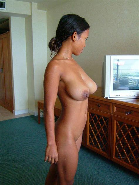 Breasty Thai Girlfriend Amateur Pics