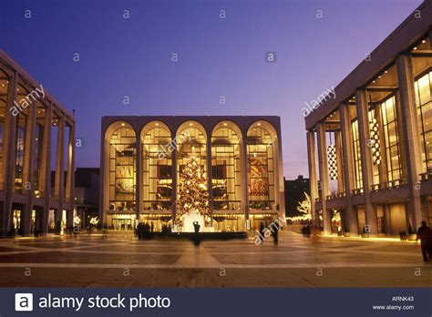 Lincoln Center For The Performing Arts Metropolitan Opera
