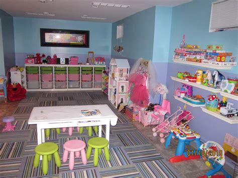 Fun And Colorful Kids Playroom Decor #