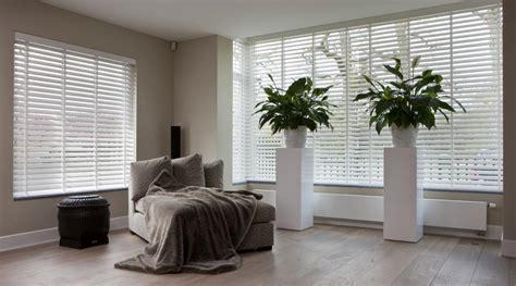 brede houten jaloezieen houten jaloezie 235 n op maat jasno raamdecoratie houten