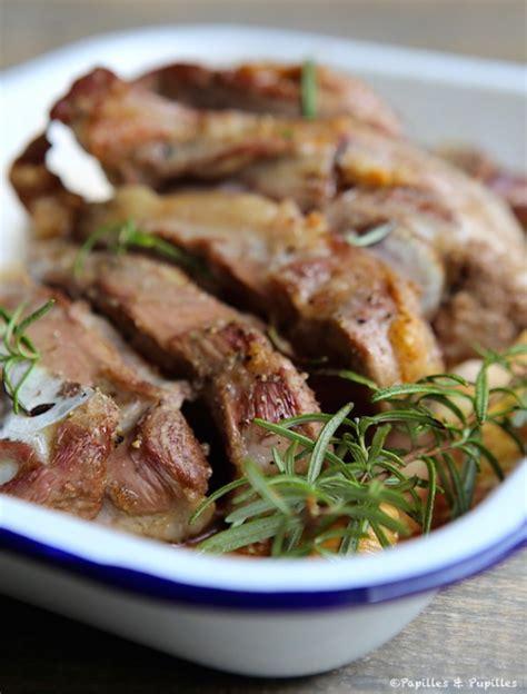 cuisiner une epaule d agneau recette épaule d 39 agneau rôtie au four
