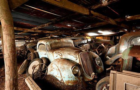voitures anciennes trouvees en france dans  garage