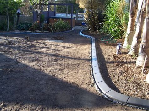 concrete lawn edging concrete lawn edging