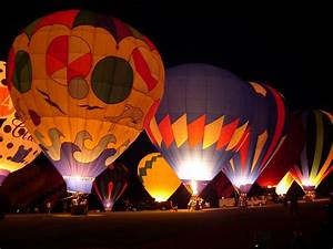 Hot Air Balloons in Night   Wallpapers, pictures, images...