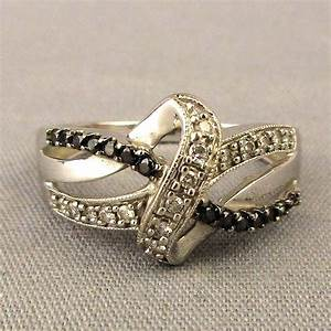 Vintage 10K White Gold Diamond Ring Great Design From