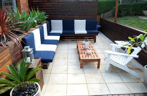 ikea lawn furniture   color outdoor living space