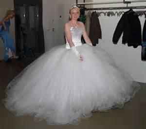 design brautkleid hatice design brautkleid weiß in größe 36 für 650 auf wunsch brautkleid de