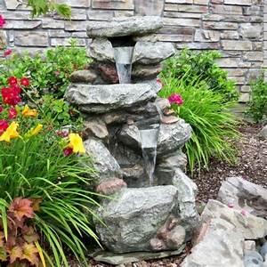 75 relaxing garden and backyard waterfalls digsdigs With katzennetz balkon mit sky garden lamp