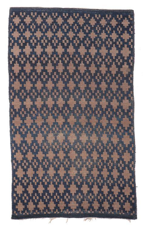 tappeti tibetani due tappeti tibetani tibet 1900 wannenes auctions