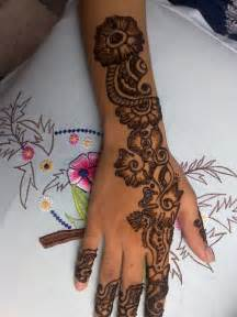 Pics Photos - Latest Arabic Mehndi Desgin