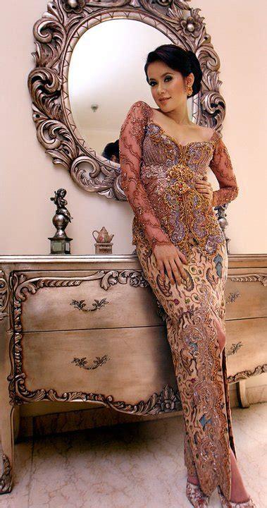 olla ramlan and modern kebaya indonesia