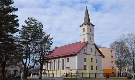 Valmieras Romas katoļu baznīca - Baznīcas   Memorial Services