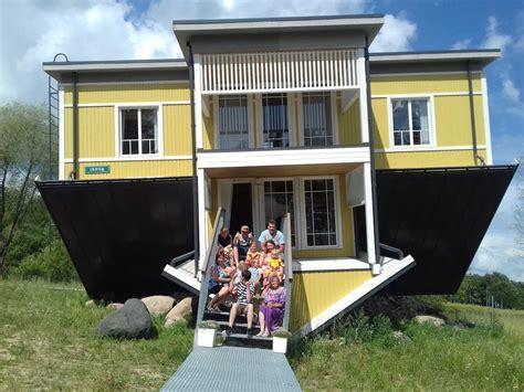 Upside Down House (tagurpidi Maja), Estonia