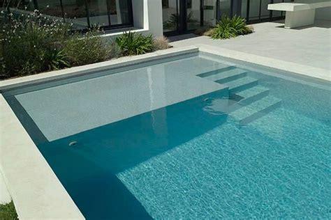 quel escalier pour votre piscine guidepiscines fr