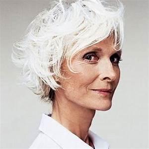 Coupe Cheveux Gris Femme 60 Ans : coupe de cheveux femme 60 ans cheveux gris ~ Voncanada.com Idées de Décoration