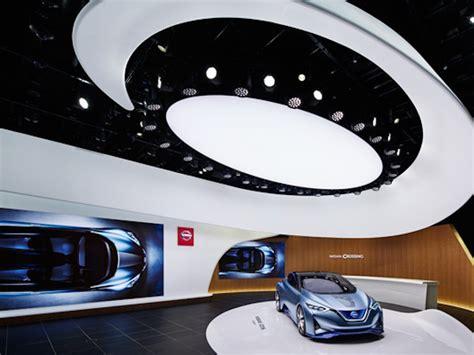 Nissan Showroom In Tokio digital signage automotive spannender flagship in tokio