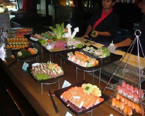 cuisine japonaise sushi japanese section at buffet brunch photo de mantra