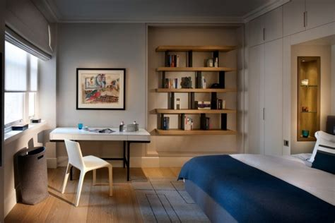 10 Beautiful Master Bedrooms With Desk Setups