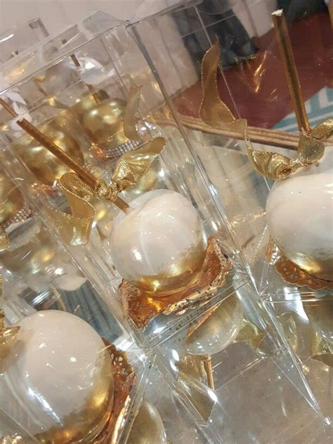 Best 25 Gold Candy Ideas On Pinterest Gold Candy Bar