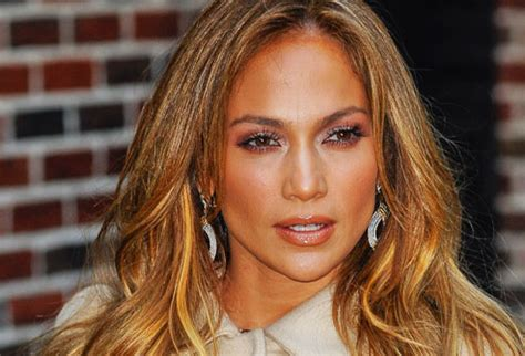 Pictures of Age Defying Hairstyles: How to Look Younger
