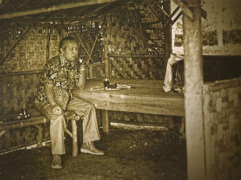 Presiden soeharto tidak jarang memberi penjelasan atas sesuatu hal, termasuk menjelaskan esensi pancasila, menggunakan falsafah jawa. Soeharto Biography - Second President Of Republik Indonesia