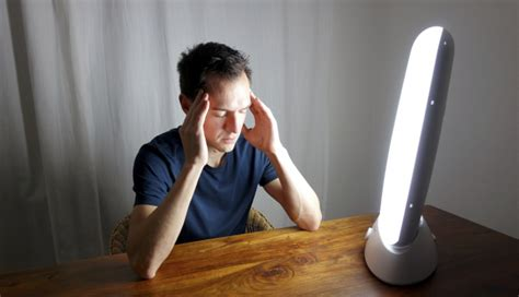 light therapy for seasonal affective disorder a review of efficacy cbt as effective as light therapy for seasonal affective