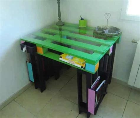 fabriquer bureau en palette bureaux en palettes diy conseils bricolage facile