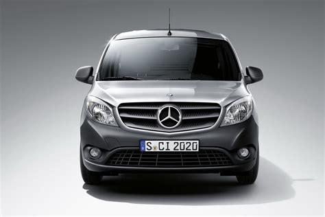 Alle informationen zu den citan aufbauformen, technischen daten citan kastenwagen. New Mercedes-Benz Citan Van is a Renault Kangoo in Disguise | Carscoops