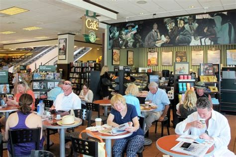 No need to shop with minimum order value. In the Know: More changes planned at Waterside Shops in Naples