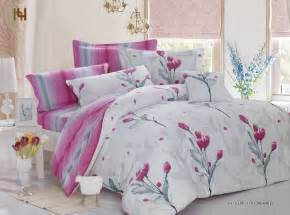 choosing the right bedsheet design to decorate bedroom