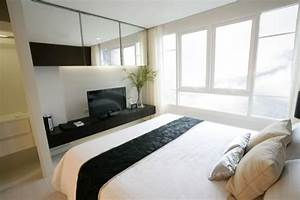 Tv Im Schlafzimmer : kleines schlafzimmer einrichten 25 ideen f r raumplanung ~ Lizthompson.info Haus und Dekorationen
