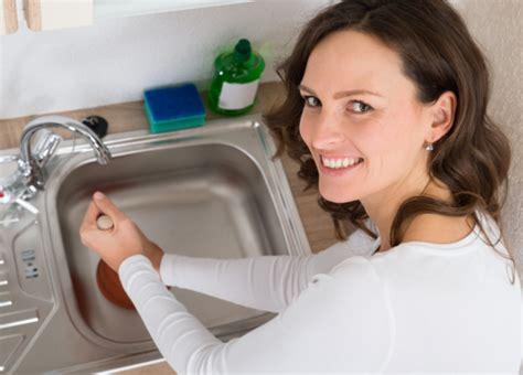 Déboucher Un évier Ou Un Lavabo  Tout Pratique