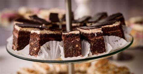 Coba praktikkan resep brownies kukus yang punya tekstur lebih lembut berikut. 7 Resep dan Cara Membuat Brownies Kukus maupun Panggang