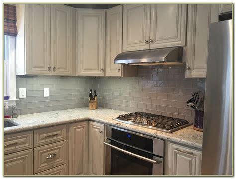 kitchen backsplash tile with white cabinets glass tile kitchen backsplash white cabinets tiles