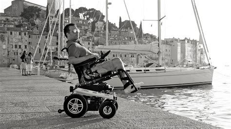 prise en charge fauteuil roulant fauteuil roulant manuel et electrique services plus