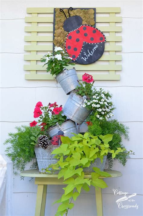topsy turvy planter best diy projects of 2016 cottage at the crossroads