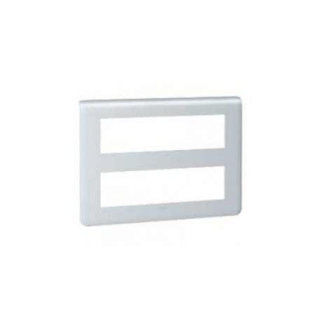 les plaques de finition 2x8 modules alu de legrand sur domomat