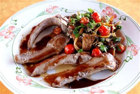 cuisiner aiguillette de canard recette aiguillettes de canard aux chanterelles sauce au