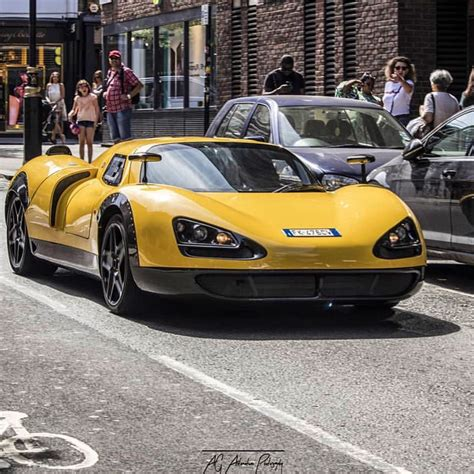 Το Ec Onlyone P8 είναι μια Ferrari F430 με πολύ