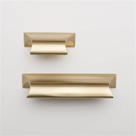 brass cabinet pulls 14 best knobs and pulls for white kitchen cabinets